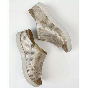 FLY LONDON Whin Platform Sandal Slide Pearl 41